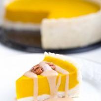 Glutenfreier-Kürbis-Kuchen-mit-Mandel-Zimt-Creme